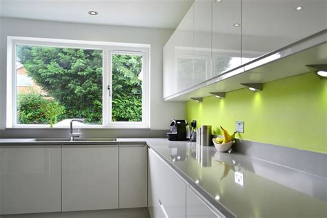 Cream Gloss Kitchens Ideas - worktops la belle cuisine