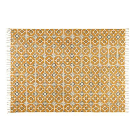 tapis en coton motifs carreaux de ciment jaune moutarde