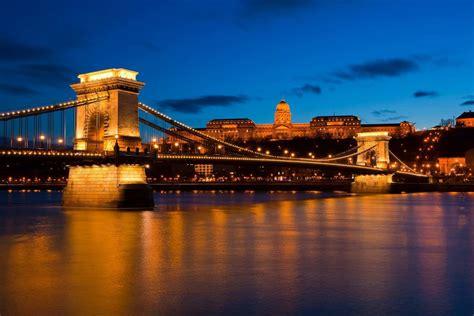 budapest travel tourism guide tourist information