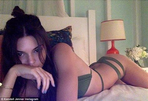 Kendall Jenner Flashes Bikini Body In Racy Instagram Snap Daily Mail Online