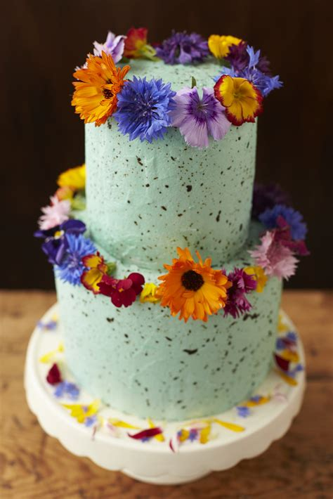Cake Decorating With Real Flowers - how to decorate a wedding or celebration cake with edible