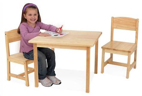 table et chaise enfants table en bois naturel pour enfant et 2 chaises kidkraft