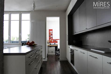parquet flottant dans une cuisine parquet dans une cuisine great parquet cuisine ouverte best mosaique ideas on open