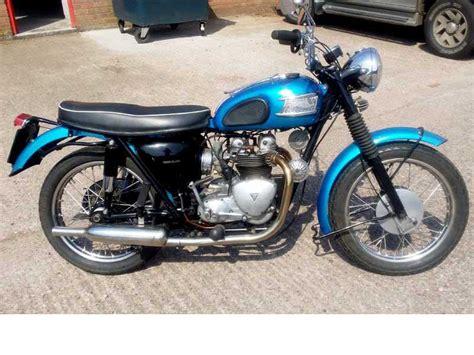 Triumph Tiger 100 by Triumph Tiger 100 500cc 1960