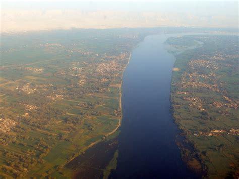 Vista aérea do Rio Nilo, Egito | Ele é bem mais largo do ...