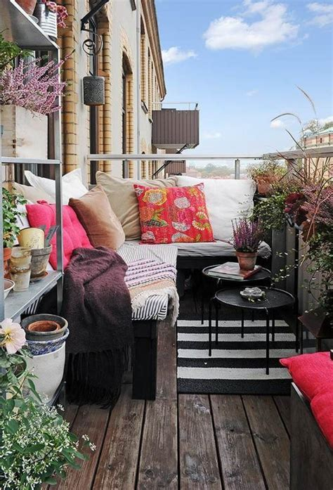 Small Balcony Furniture Option   HomesFeed
