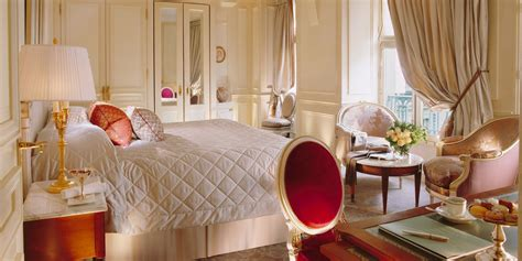 les chambres luxury 5 hotel in le meurice dorchester