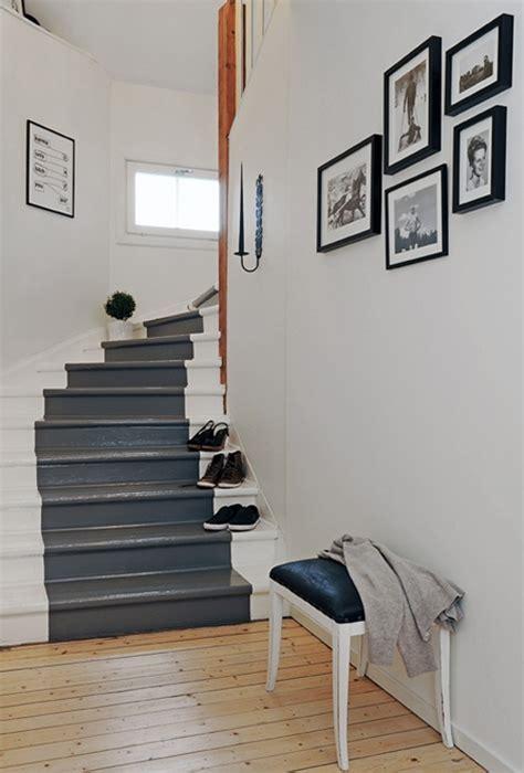 escalier bois blanc et gris comment repeindre un escalier bricobistro