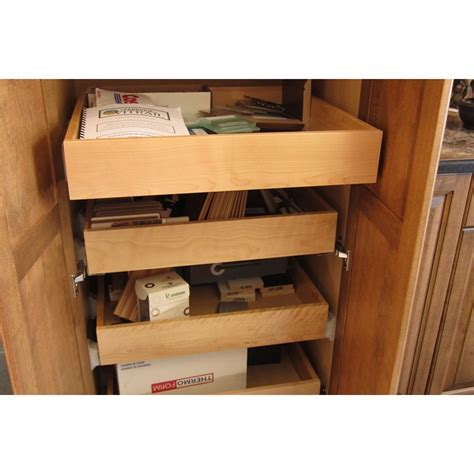 Pull out drawers   Cuisines Laurier