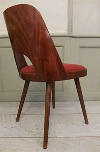 Chaise Bois Vintage : slavia vintage mobilier vintage chaise ton dossier en bois courb kavarna ~ Teatrodelosmanantiales.com Idées de Décoration