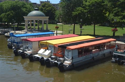 Milwaukee River Boat Rentals by City Business Riverwalk Boat Tours Rentals 187