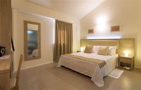 camera hotel  stelle moderno camera da letto milano