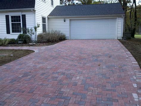 pictures of driveways with pavers paver driveway2