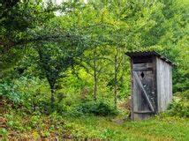 Hartnäckige Verschmutzung Toilette : toilette auf dem dorf stockfoto bild 67482281 ~ Frokenaadalensverden.com Haus und Dekorationen