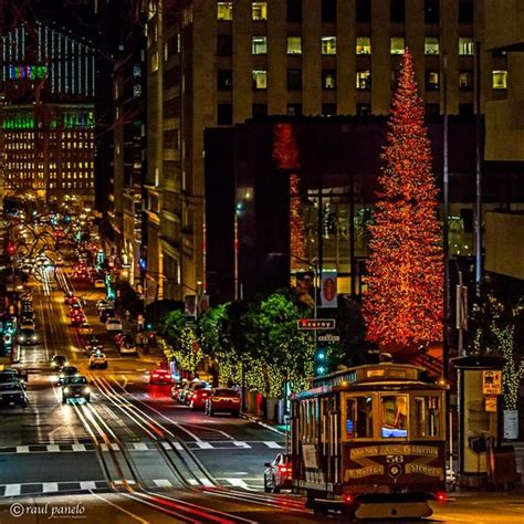 christmas by the bay cable car in san francisco