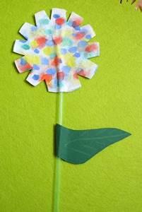 Blumen Basteln Kinder : blumen basteln kinderspiele ~ Frokenaadalensverden.com Haus und Dekorationen