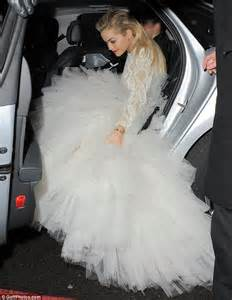cinderella carriage pumpkin ora struggles to get marchesa dress into car