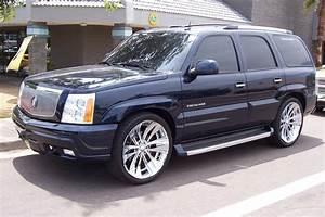 2005 Cadillac Escalade - Overview
