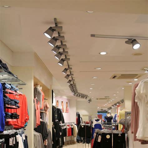 eclairage d un magasin de pr 234 t 224 porter femmes trato