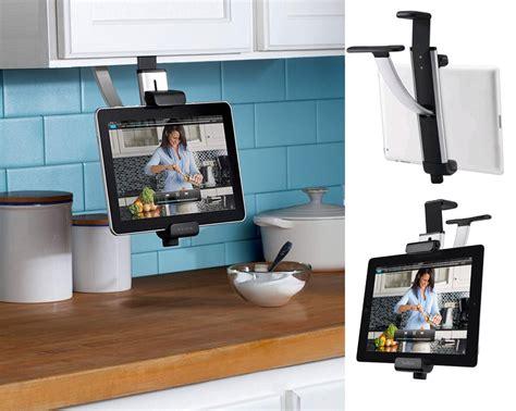 support tablette tactile cuisine libérez le comptoir de cuisine en suivant une recette sur