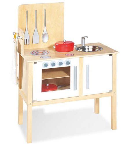 cuisine dinette en bois pinolino cuisine en bois jette pour jouer à la dinette
