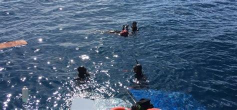 Turkey Refugee Boat Sinks by Turkey Refugee Boat Sinks Off Aegean Coast 25 Dead The