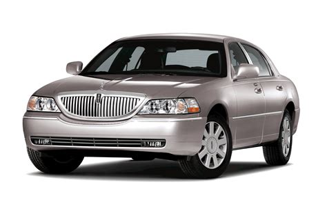 Lincoln Town Car Review Ratings Specs Prices