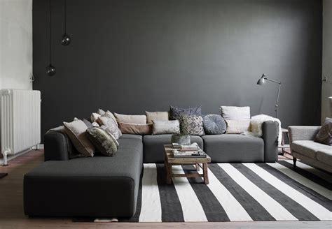 peinture pour canapé peinture salon grise 29 idées pour une atmosphère élégante