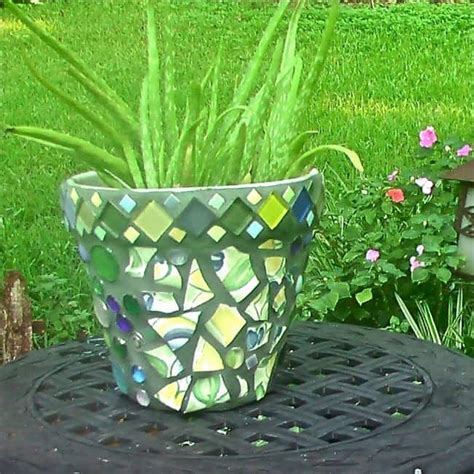 Garden Decoration Pots Ideas by 31 Diy Awesome Garden Ideas With Pots And Rocks Gardenoid