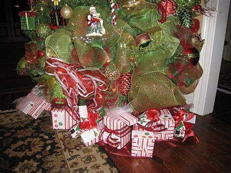 traditional christmas decorations bring warmth to your home