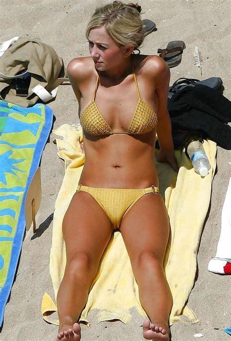 Bikini Cameltoe Voyeur Cameltoe Tight Cameltoes Pics At Cameltoe Girls Com Oops