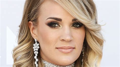 Carrie Underwood's Scar May Take Up To Two Years To Heal