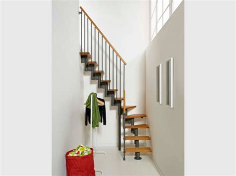 cuisine modulable petits espaces un escalier gain de place pour mon intérieur