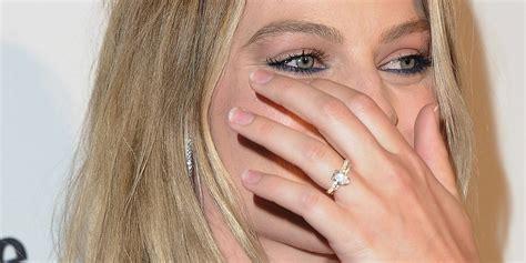 margot robbie  fans  closer    wedding ring