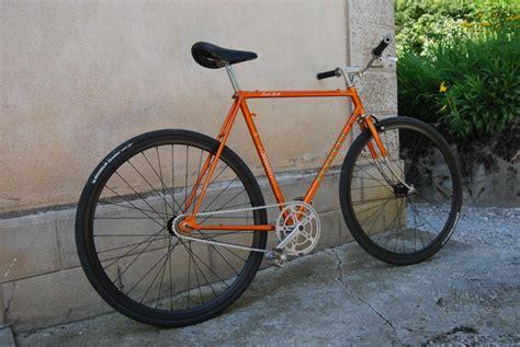 chambre single encore un vélo peugeot sauvé d 39 une poubelle fixie