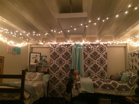 """Give Your Home A """"christmasy"""" Touch With Christmas Lights"""