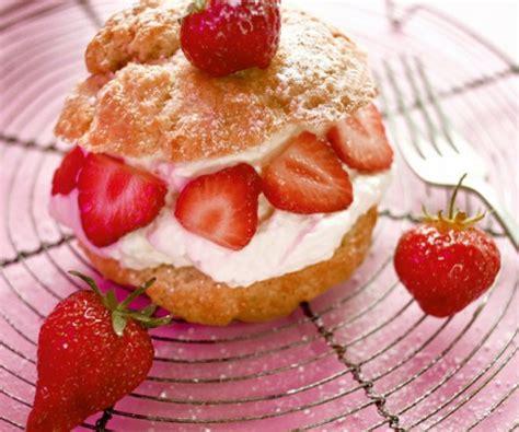recette de cyril lignac petits choux farcis 224 la mousse de fraise
