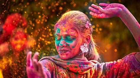 indian color festival 10 reasons to celebrate holi festival travel to india