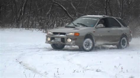 subaru outback snow subaru impreza outback sport in snow youtube