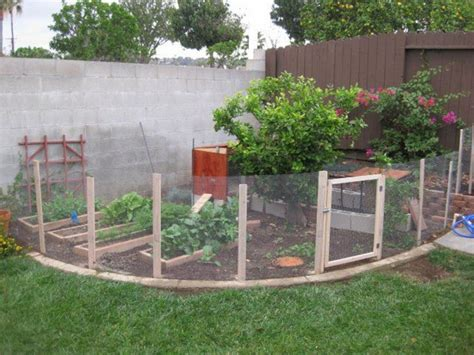 back yard garden fence idea decoredo