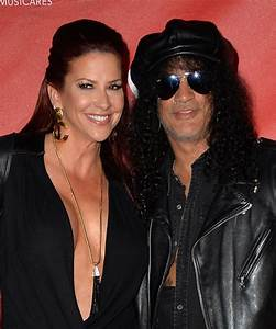 Slash and Perla Hudson Photos Photos - Arrivals at the ...