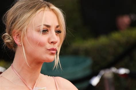 kaley cuoco sag awards  los angeles