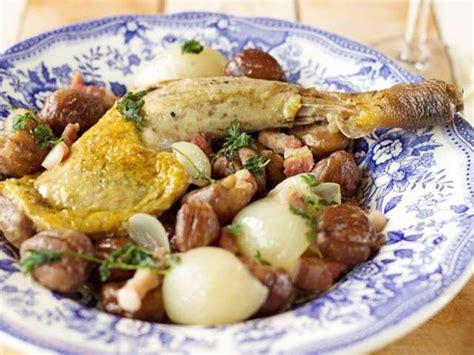 cuisiner des cuisses de pintade recettes de pintade et oignons