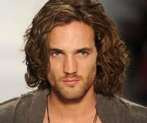 Comment Avoir Les Cheveux Long Homme : les cheveux long homme coiffures la mode de cette saison ~ Melissatoandfro.com Idées de Décoration