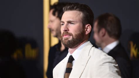 Here's Why We Shouldn't Share the Chris Evans Leaked Photo ...