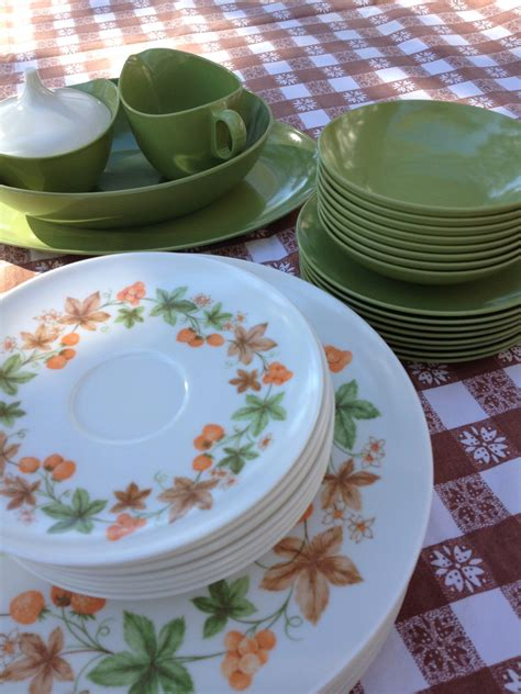 melamine cuisine vintage oneida melamine dishes collection of 44 pieces marked