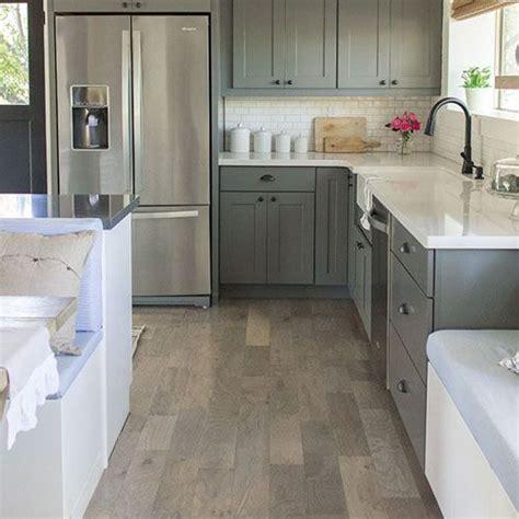 suelo de cocina gris  una decoracion mas actual