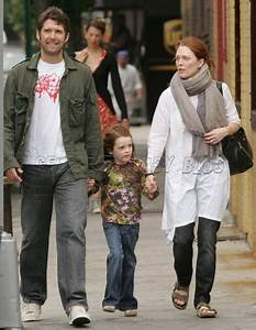 Julianne Moore and family's Canadian adventures – Moms ...