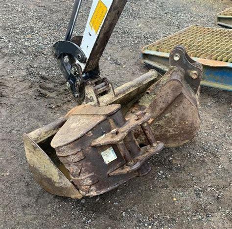 digger bidder  bobcat  mini excavator