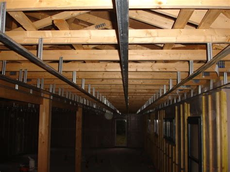plafond en placo sur rail pose du placo au plafond une m o b dans un ch de moutons